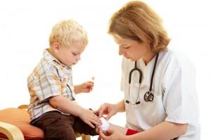 Чем занимается детский дерматолог?