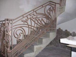 Как сделать поручень для лестницы наш совет