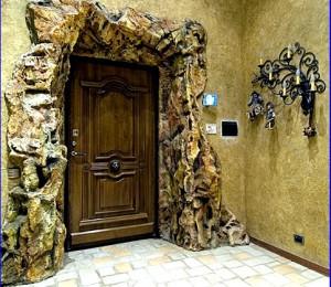 Как выбрать деревянную дверь домой